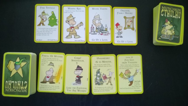 board-game-review-cthulu-munchkin-components