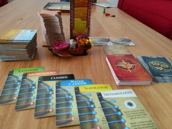 r2r-board-game-forbidden-desert-components