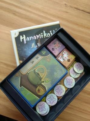 r2r-board-game-review-hanamikoji-in-box
