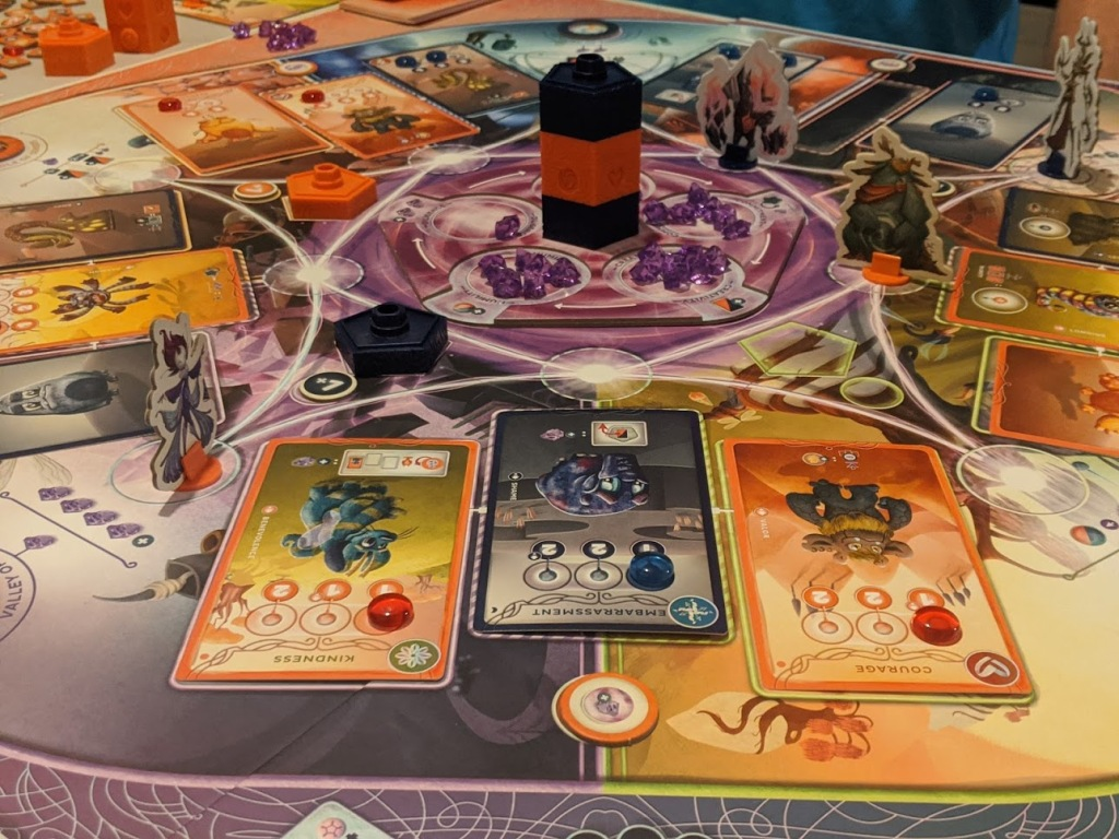 Cerebria the Inside World mid game, you can see who's winning via the middle totem pole.
